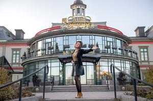 Kasinochefen Catarina Sjöbom tycker om att dansa.
