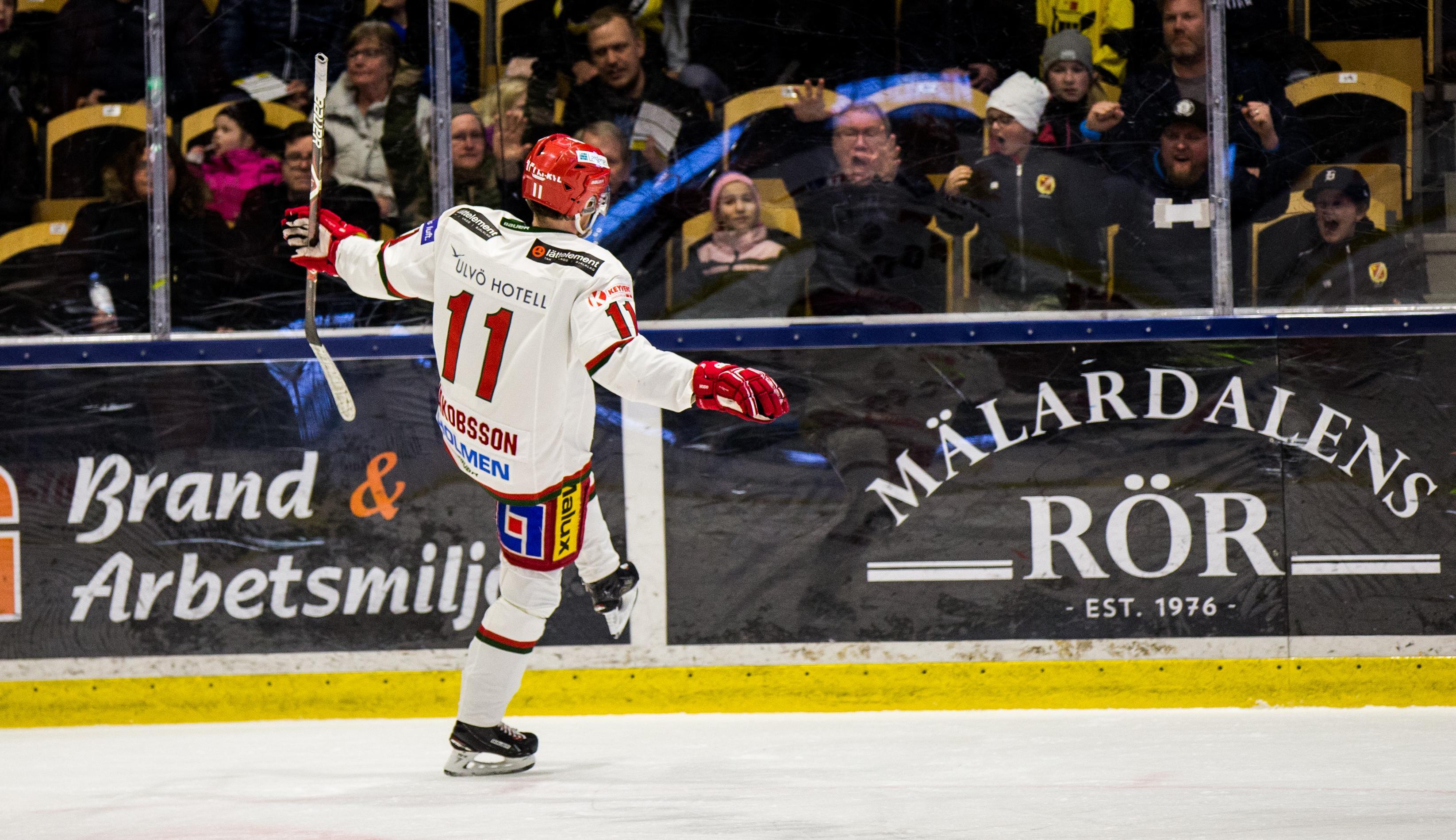 Kristian Jakobsson firar sitt 1-1-mål.