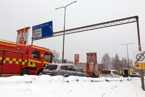 Larmet om trafikolyckan inkom till SOS Alarm vid klockan 16.05 på fredagseftermiddagen.