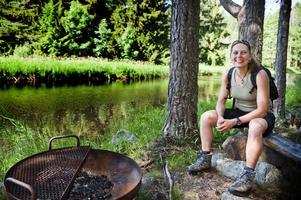 """Äventyr för hela familjen. En skattjakt i naturreservat behöver inte bara handla om jakten efter skatten. """"Det kan vara ett äventyr för hela familjen. Man kan till exempel grilla korv vid någon av reservatets grillplatser"""", säger hon."""