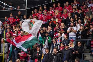Det ser ut att bli en hög publiksiffra i matchen mellan Modo och Västervik. Bild: Erik Mårtensson/Bildbyrån