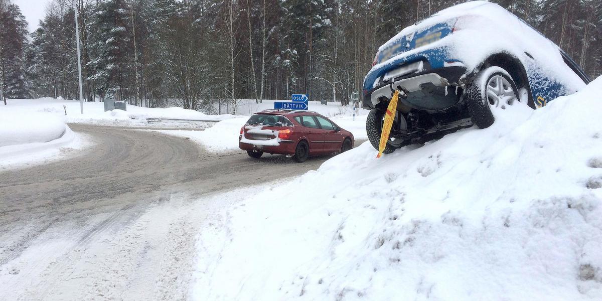 Bildresultat för bil snövall