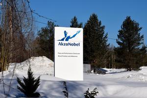 Totalt behöver Akzo Nobel nyanställa 13 personer för att klara av att möta efterfrågan.