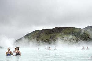 Islands varma källor, en av många anledningar att besöka ön enligt