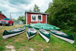 Nästa helg planerar de att förflytta sex till åtta kanoter till Indalsälvens delta, så att man kan få paddla där istället.