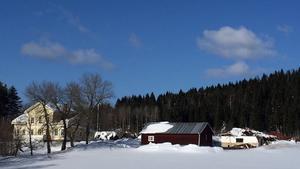 Kommundirektör Åsa Bellander och hennes make Torbjörn Zetterfeldts ladugård rasade under snömassorna.
