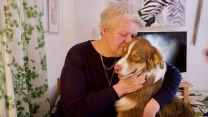 Kerstin Persson har alltid haft hund. Här tillsammans med dotterns australian shepherd Frode.