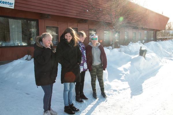 Ungdomsrådet var ute på trygghetsvandring med polisen, NVK och Norbergs kommun i februari. Den här gången pekade man ut potentiellt otrygga platser i Kärrgruvan.