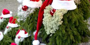 e9b7cdae462 Tomtar i alla möjliga former brukar man kunna stöta på under julmarknaden.  (arkivbild)