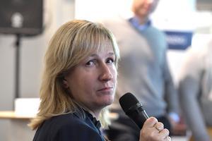 Anna Hed ifrågasätter Kerstin Lundhs tro att Sälen ska lösa företagens flygbehov.