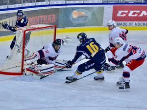 Marcus Anderssons 1–0-mål.Foto: Jörgen Notes