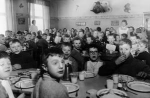 Matsalen på Bodaborg. Bild: Ur ett album som förvaras på regionarkivet i Härnösand