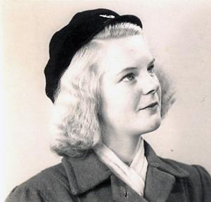 Min farmor Inga Jersenius (född Flood) 14 år gammal 1944. Foto: Privat