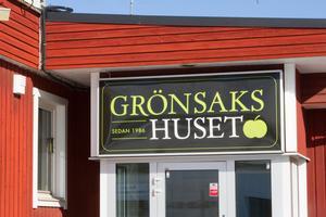 Grönsakshuset i Norden AB är ett nationellt företag som levererar frukt och grönt. År 2017 omsatte företaget strax över 250 miljoner kronor och har anläggningar med kontor och lager i Stockholm, Göteborg, Lund, Sundsvall, Skövde, Hudiksvall och Avesta.