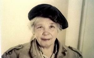 Mamma Ingrid Östlund hade ett politiskt intresse. Hon engagerade sig inom bondeförbundets kvinnoavdelning och ombads att stå på en vallista, men sade ifrån.