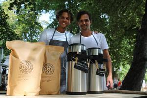 Jakob Good och Marcus Segerströms kaffe från Colombia och Indonesien var så populärt att det  tog slut efter bara några timmar.