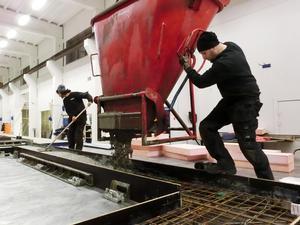 Det har pågått både utbildning och produktion i Attacus nya husfabrik i Hammerdal, som byggs ut och fått full kapacitet i år.