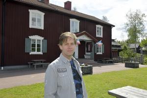 Stefan Nykvist släpper nu sitt första soloalbum och idag, fredag går det att lyssna på den första låten från det kommande albumet.