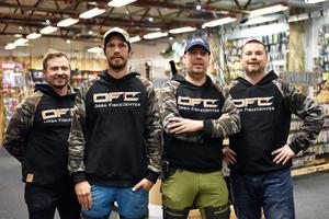 Conny Frid, Per-Åke Ståbis Hassis, Stefan Gustafsson och Ronny Frid inne i den nya butiken.