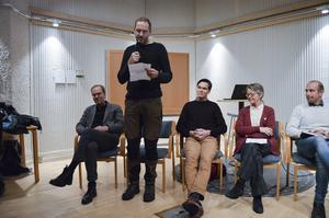 Nye Jamtlichefen Olle Amelin, Torbjörn Skytt från Mittuniversitetet, Anderas Gyllenhammar, Jämtkraft och Ruth Eriksson från regionen är några av de närmare trettio artikelförfattarna i årets Jämten.
