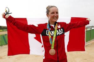Veteranen Catharine Pendrel var trea i OS 2016 när Jenny Rissveds vann. Hon var femma i den senaste världscuptävlingen och brukar trivas hemma i Mont-Sainte-Anne.