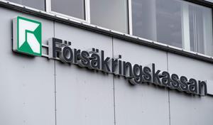 Är det rimligt att en svensk myndighet bryter mot mänskliga rättigheter och gör sjuka människor fattiga? undrar insändarskribenten.