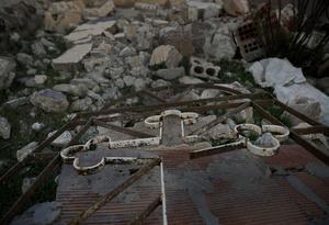 Ruinerna av en kyrka i den syriska byn Tal Jazeera. Foto: Hussein Malla/AP Photo