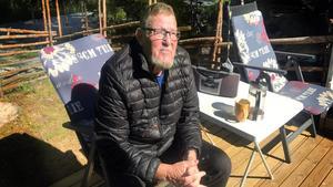 Västeråsaren Bengt Jansson köpte sommarstugan i Färmansbo för sex år sedan och har för andra gången hamnat i närheten av en stor skogsbrand.