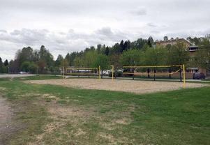 Här vid Sticksjö skola ska spontanidrottsplatsen byggas redan i vår.