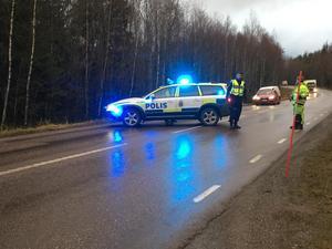 Två personbilar var inblandade i trafikolyckan på Stockholmsvägen på onsdagen. I samband med räddningsarbetet stängdes vägen av helt.