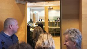 Den 7 juni klockan 11 kommer tingsrätten meddela när dom faller eller om Gryningspyromanen ska genomgå en större rättspsykiatrisk undersökning.