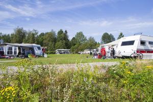 Orbadens camping var fullsatt lagom till helgen.