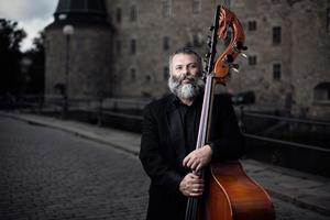Sébastien Dubé bjöd in sina musikervänner i ett möte med Svenska Kammarorkestern i lördagens Trettondagskonsert.              Foto: Nikolaj Lund