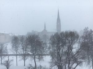 Snöstorm i Sundsvall, GA-Kyrkan försvinner i det ymniga snöfallet. Bilden är tagen vintern 2018.
