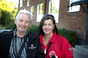 Lars-Olov Norberg och Marie Sjöbom Olsson går tillsammans den här kvällen.