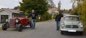 Hotrod vs Isabella. Ulf Nilsson hoppas att hans Hot Rod blir körklar till våren medan Mats Wiklunds Isabella redan kör på vägarna.