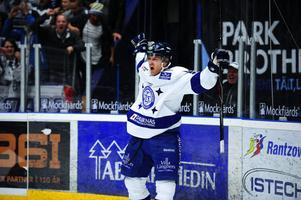 Jens Bergenström gjorde sitt efterlängtade första mål för säsongen mot Djurgården. Hans 1–0-mål kom redan 23 sekunder in i den första perioden. Sedan avgjorde han i förlängningen med sitt 4–3-mål.
