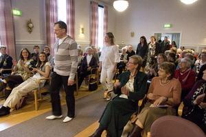 Som avslutning gick alla deltagande mannekänger fram till scenen i Mariagården.
