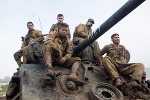 Shia LaBeouf, Logan Lerman, Brad Pitt, Michael Pena och Jon Bernthal spelar de hårdnackade amerikanska soldaterna i