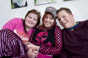 Att Viktoria Söderström, Saari Söderberg Nord och Albin Hogare trivs på estetprogrammet råder det ingen tvekan om. Hur kul som helst, säger de samstämt.