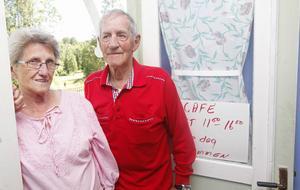 Tyra och Rolf Rotter driver ett fik vid Nansta golfbana i Forsa.