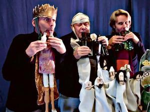 De tre månresenärerna kung Pang (Erik Petersen), Manick (Hans Kellerman) och prins Velig (Ove Andersson).