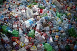 Varje svensk slänger cirka 485 kilo sopor per år.