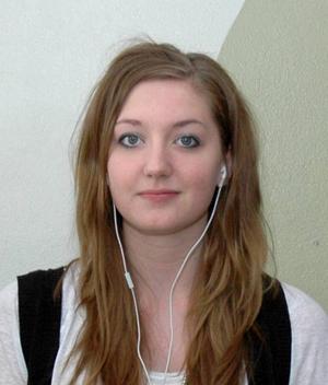 Josefine Forsberg, 15 år, Ockelbo:– Ja. Har man kontakt med äldre kan de köpa ut. Annars kanske man känner någon som har kontakterna.