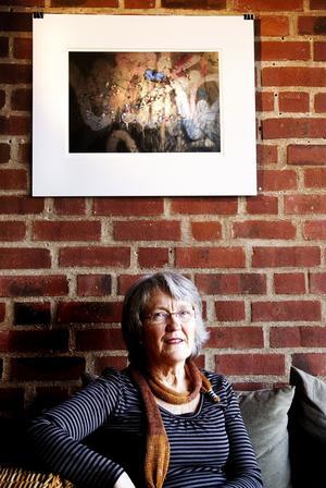 Strukturer. Margareta Hagegård arbetar med digitala bilder.