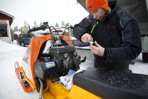 En av tre. Anders Hansson är stolt över sin Ockelbo 380 RX i en specialvariant. Det finns bara tre sådana och han har två av dem.