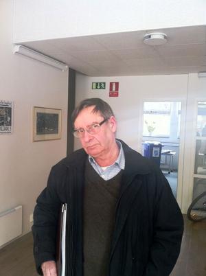 Torsåkersförfattaren Arne Engström tog initiativ till en författarafton på Världsbokdagen.