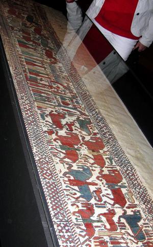 I en klimatanpassad monter på Hälsinglands museum visas nu den medeltida Skogbonaden fram till den 30 juni.