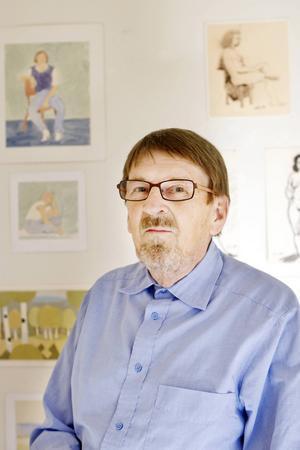 Lars Nylund var också mångårig konstskribent i Länstidningen. Bilden från en utställning på Härke 2010.