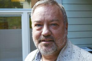 Robert Uitto och hans partikollegor i länet kommer att begära ett möte med miljöministern om en utredning som föreslår att bygdeavgiftsmedlen ska skrotas.